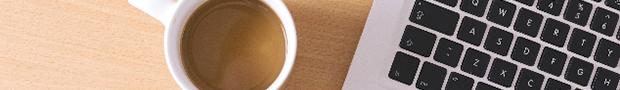 PCとコーヒーのイメージ