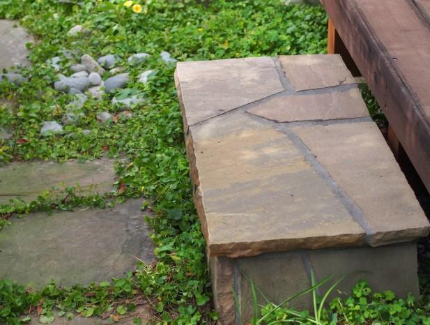 kitanagoya_y5庭へのステップは渡りの石と同じものを