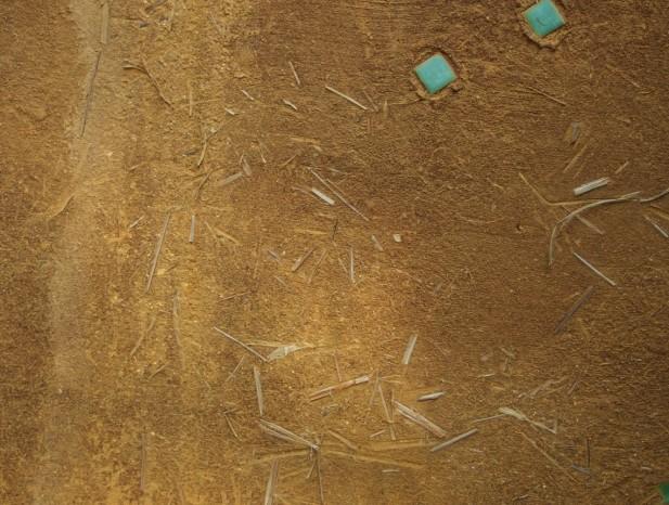 atuta_m9背景の土塀は年々味わいを増して