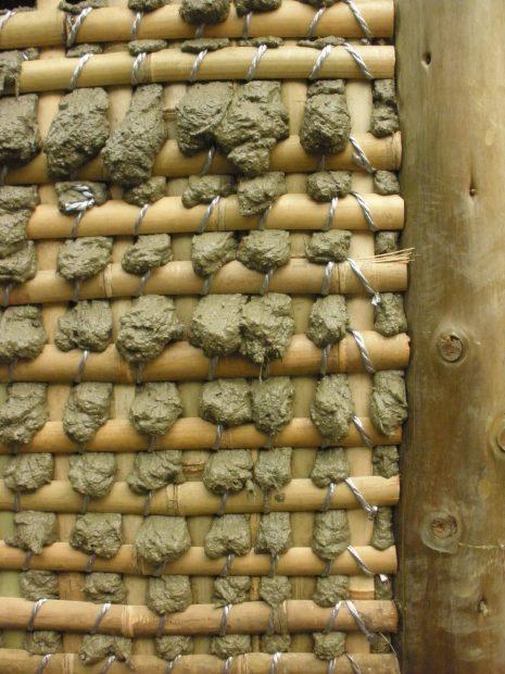 竹木舞に泥を塗る